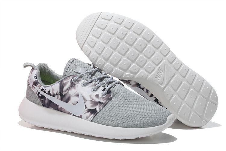 timeless design 84a01 c583e Nike Roshe Run Womens flower Light grey shoes