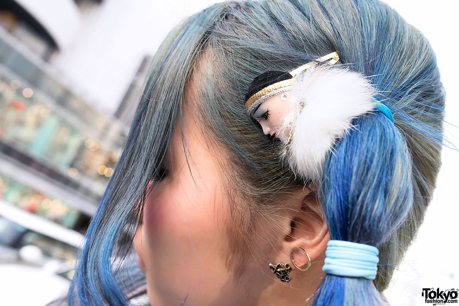 Doll head hair tie in harajuku a little creepy but thatus why i