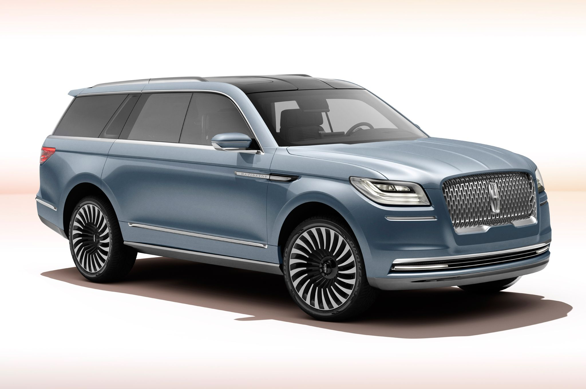 Lincoln Shows Gullwing Navigator Concept In New York Gullwings On A