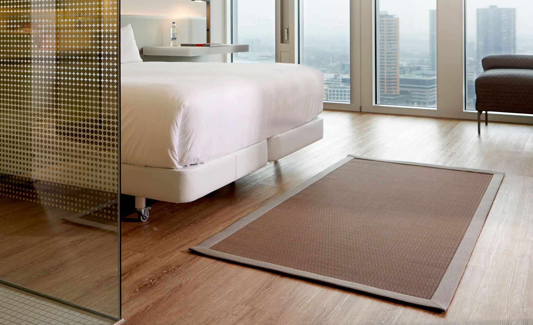In Out Woven Vinyl Rugs By Son Indoor Hotel Room Rug