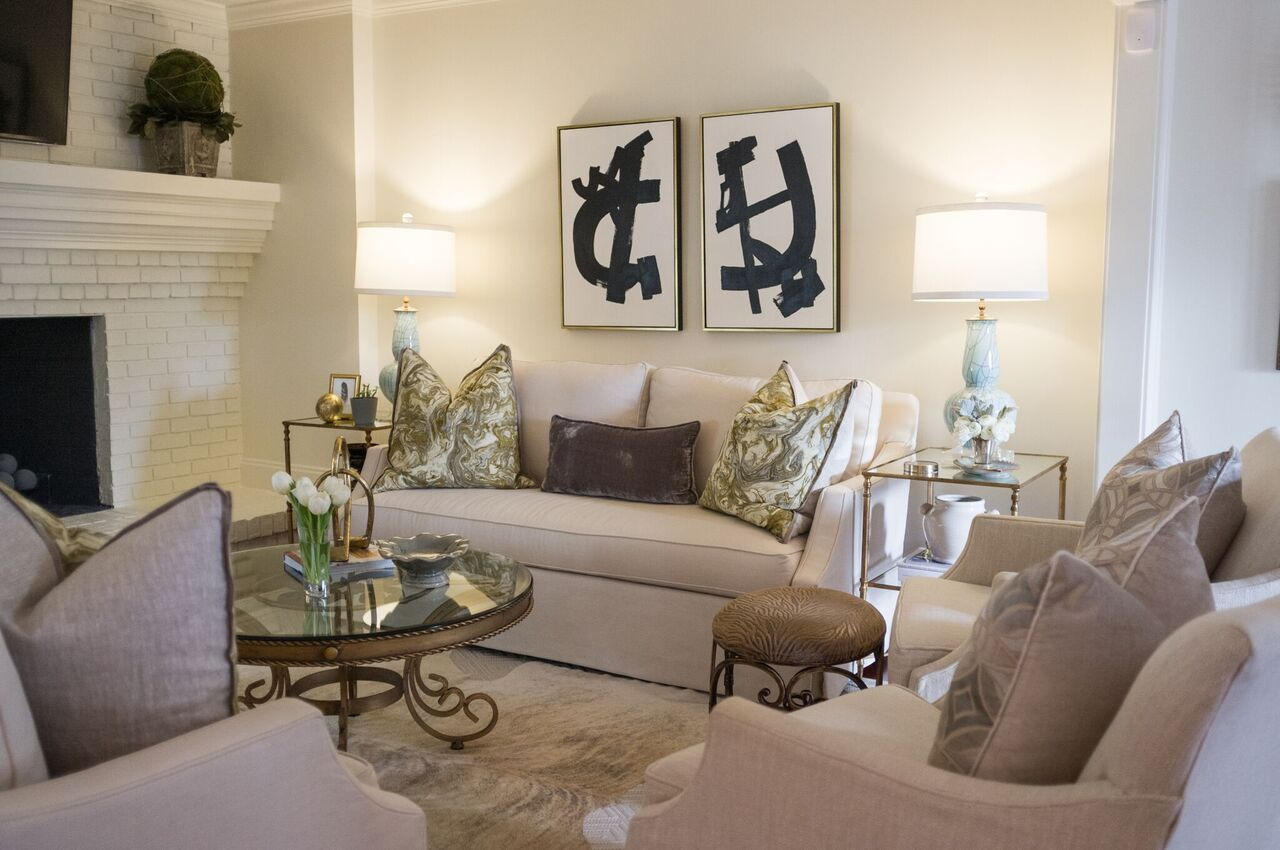 Maggie Griffin Design Modern Artistic Flair Project Living Room