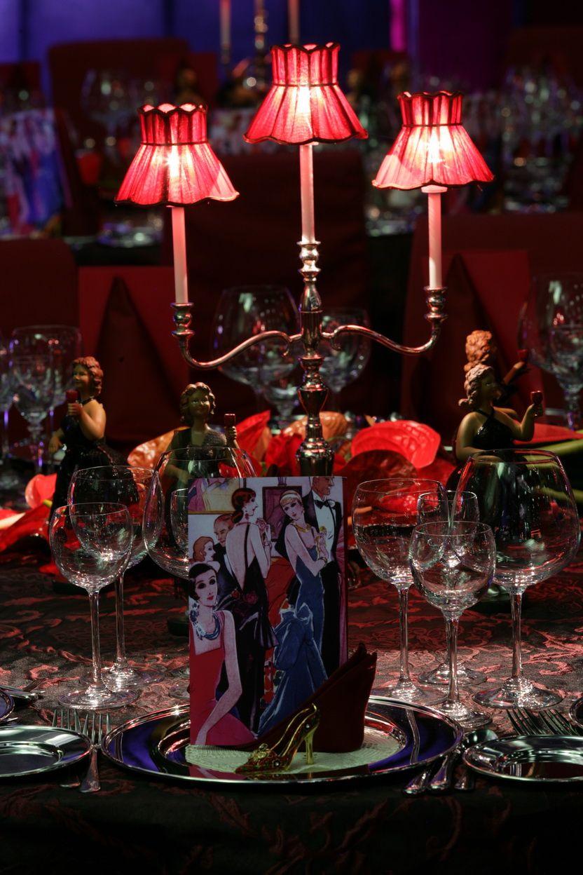Decoration De Table Sur Cabaret Parisien