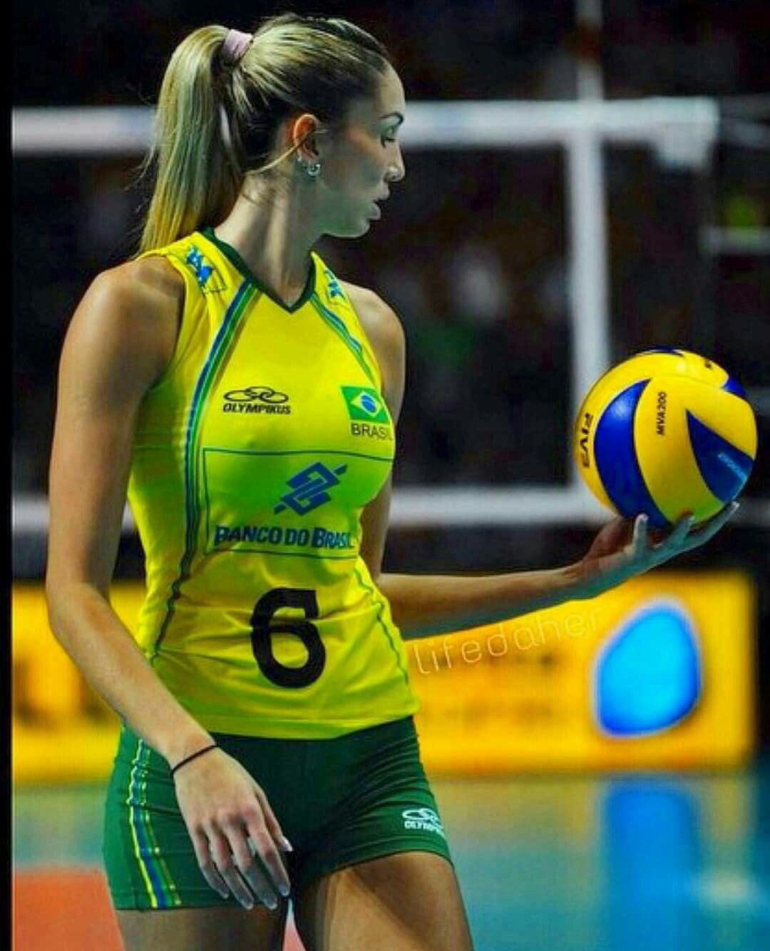 Pin By Alejandra Leon On Volleyballspelers Female Athletes Women Volleyball Female Volleyball Players