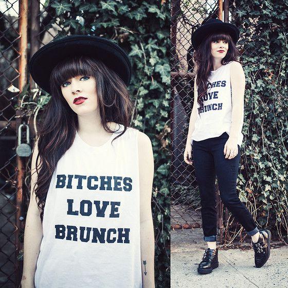 Rachel-Marie Iwanyszyn - Pylo Brunch Tee, Pylo Jeans, Pylo Jeans, Tuk Platform Creepers - IT'S TRUE, THEY LOVE IT.