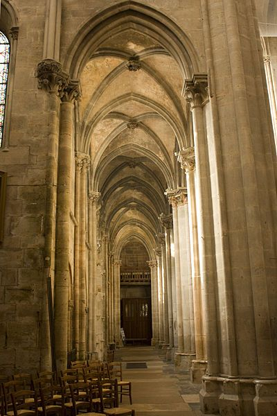 Collégiale Notre-Dame de Semur-en-Auxois. Boiurgogne