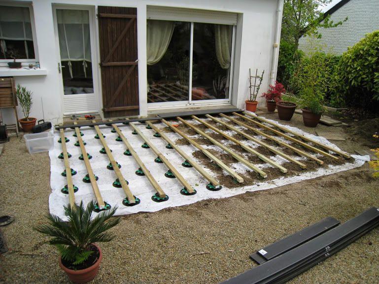 Tutoriel Expliquant Comment Poser Une Terrasse En Bois Composite Sur Lambourde Et Plots Ideas De Jardineria Decoraciones De Jardin Terrazas De Madera