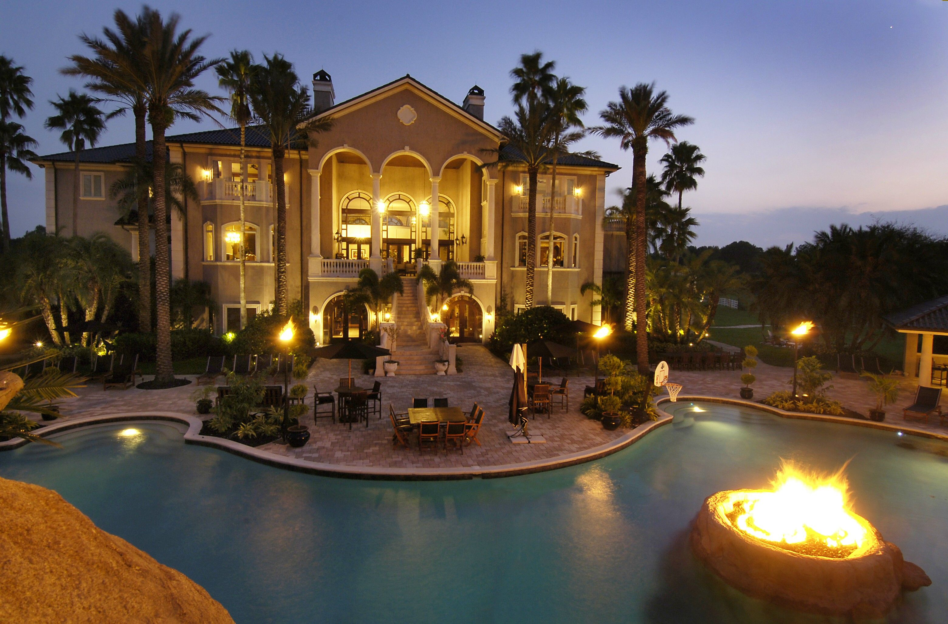 Awesome House With A Fire Pit In The Pool! Description From Pinterest.com.