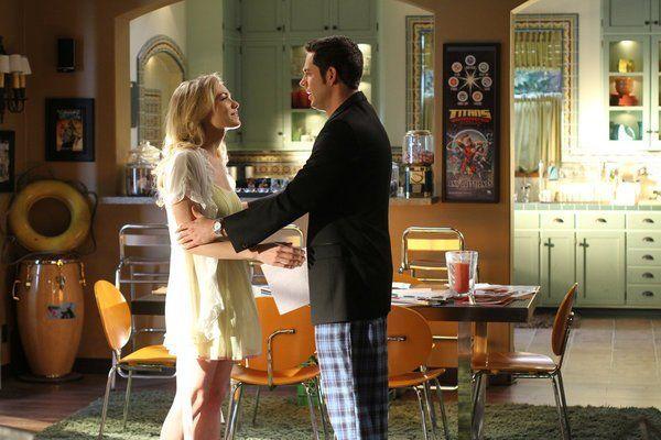 "Chuck Bartowski (Zachary Levi) and Sarah Walker (Yvonne Strahovski) in Chuck (2007) ""Chuck Versus The Cliffhanger"""