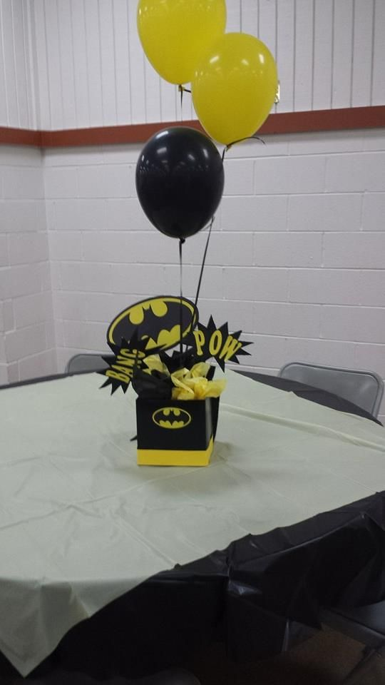 Batman Centerpiece. I would love to do this in different characters and comics for the tables.