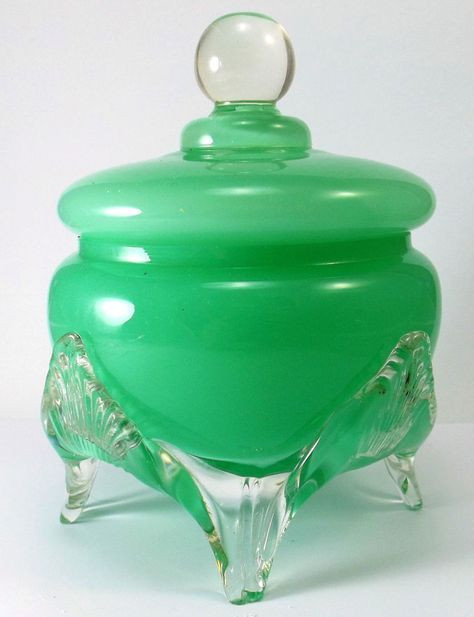 Alabaster Green Jadite Opaline Glass Powder Jar Stevens & Williams/Steuben #StevensWilliamsSteuben