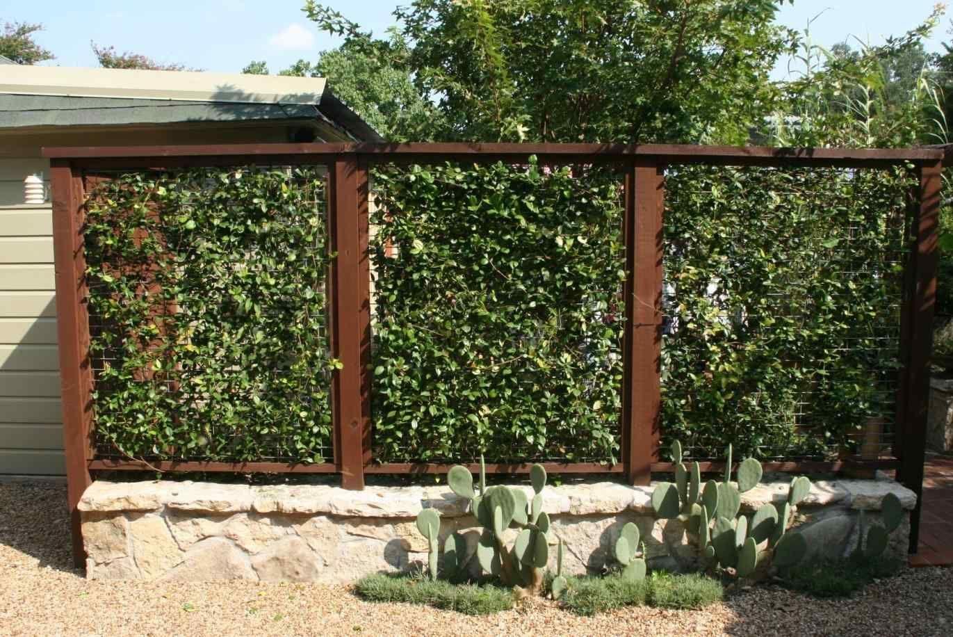 16 Incredible Patio Divider Walls For Your Home Breakpr Fence Design Backyard Garden Design Backyard Fences