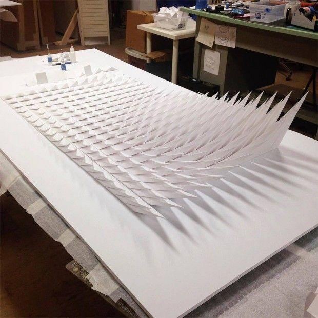 Fabuleux Du papier plié en relief en fresques et sculptures mouvantes  YC29