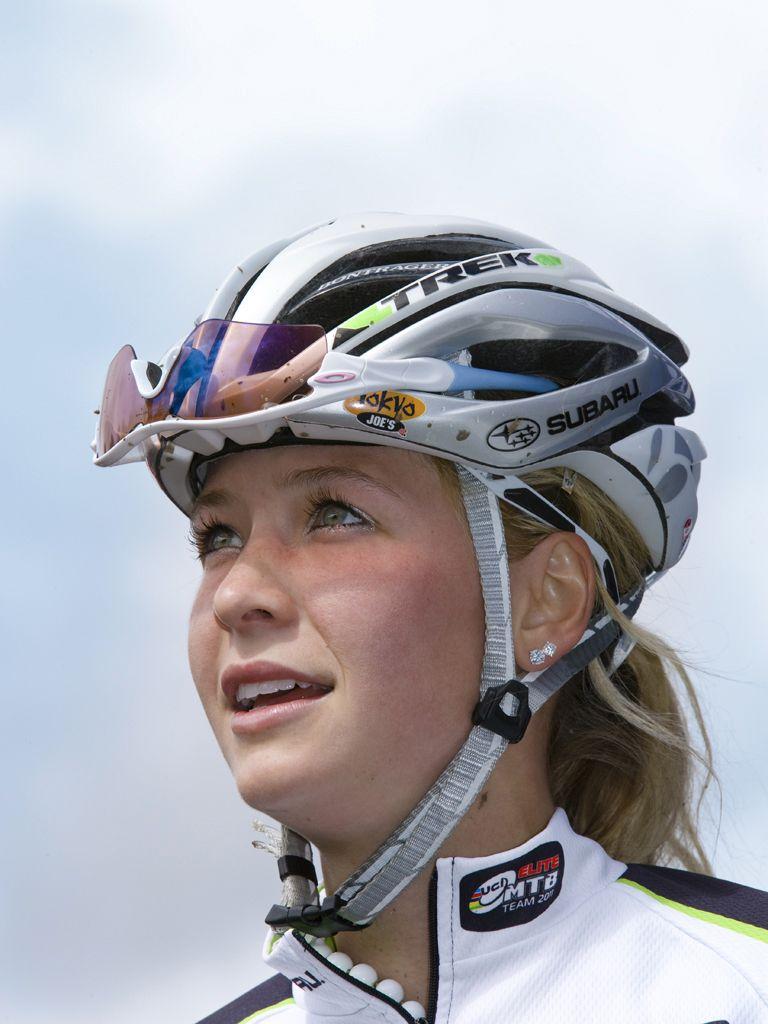 Emily Batty #emily #batty #emilybatty #mountain #bike #mtb #mountainbike #pro…