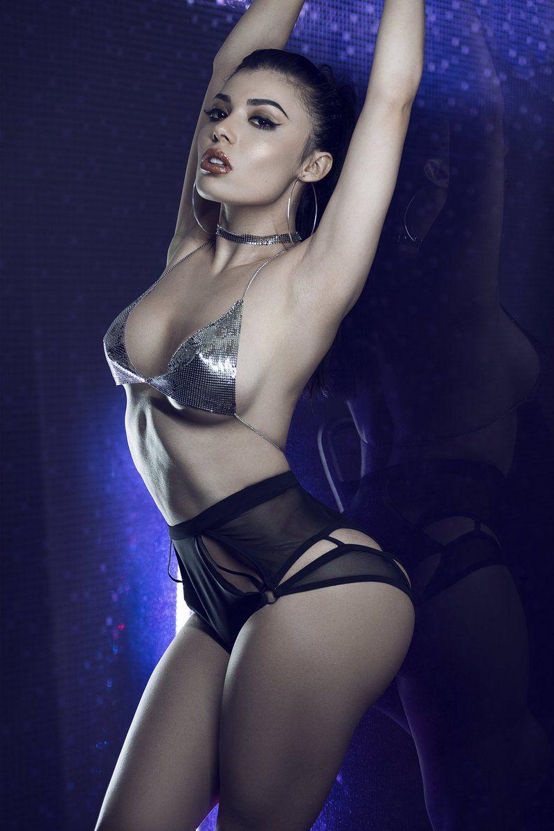 Rihanna fake fuck suck