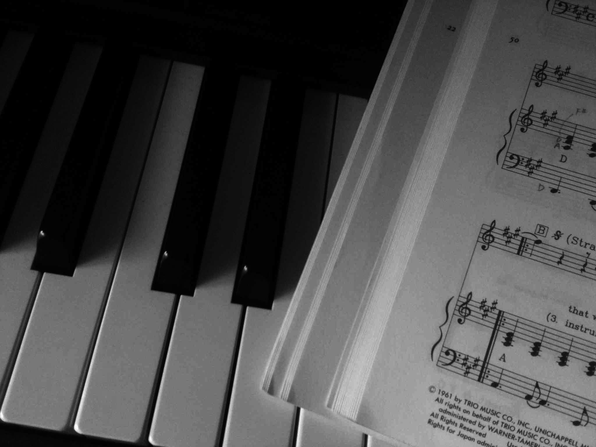 """electric piano """"Roland FP-1"""" and """"Stand by me"""" score"""