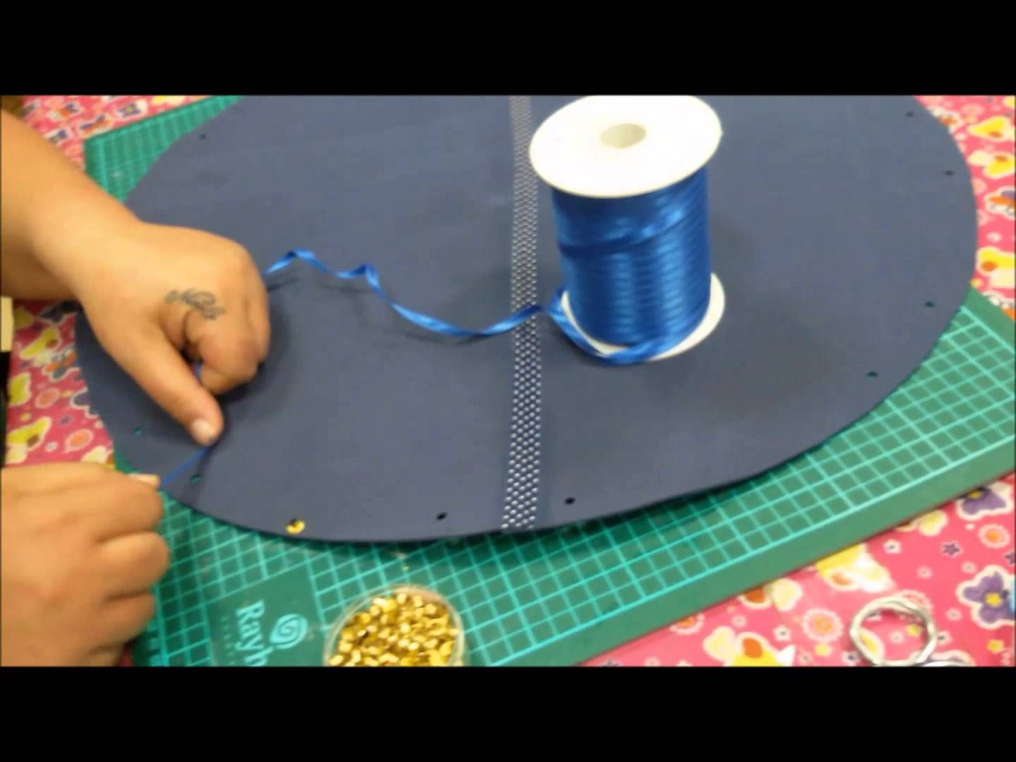 TUTORIAL BORSA MARE IN GOMMA CREPLA (FOMMY) BY OUTLET CREATIVO RITA SPER...