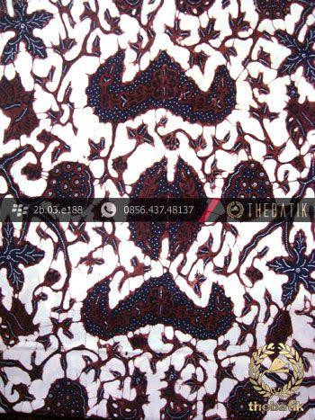 Batik Tulis Pewarna Alami Daun Anggur Latar Putih Indonesia