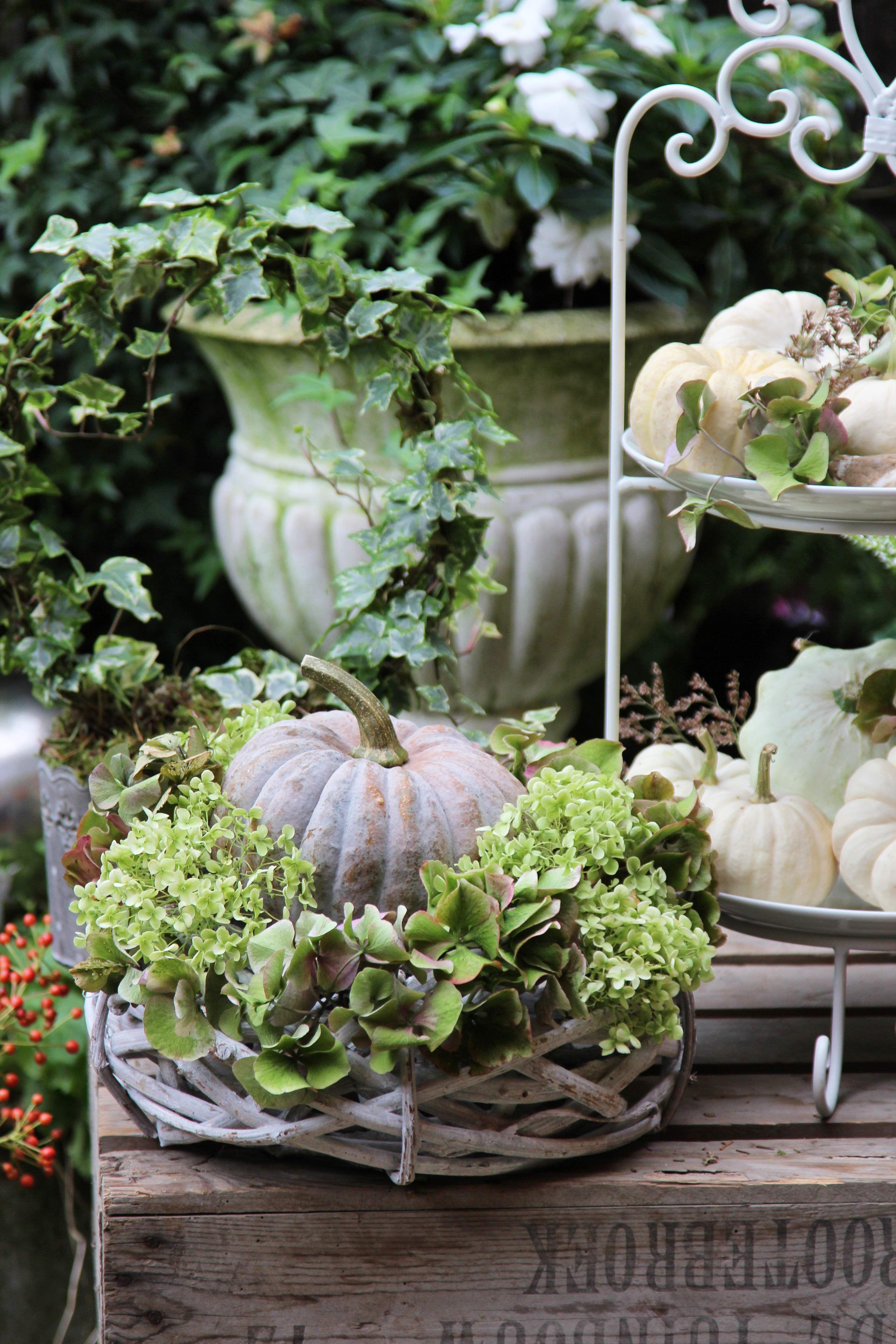 Dieses Jahr kommt der Herbst bei uns in sanften Farben #herbstdekoeingangsbereich