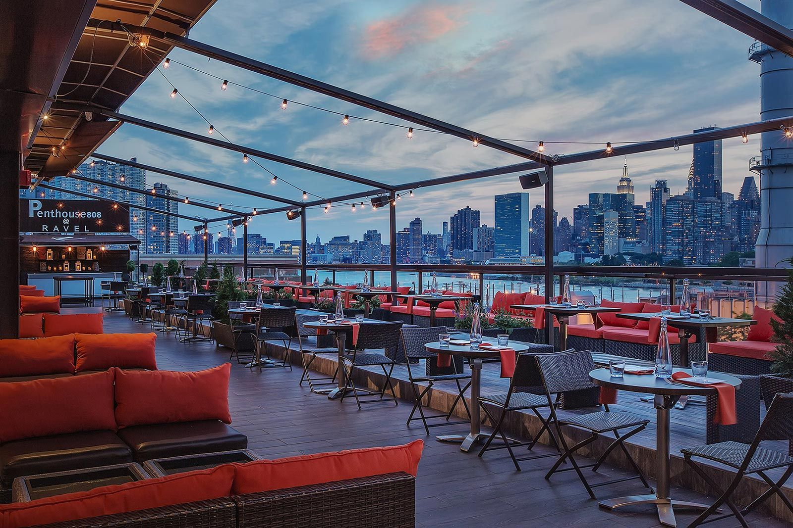 Penthouse Rooftop-Bar und Lounge in Queens!