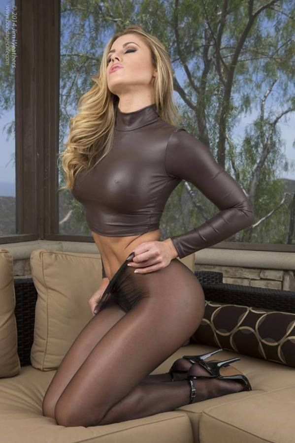 Mens desire for pantyhose