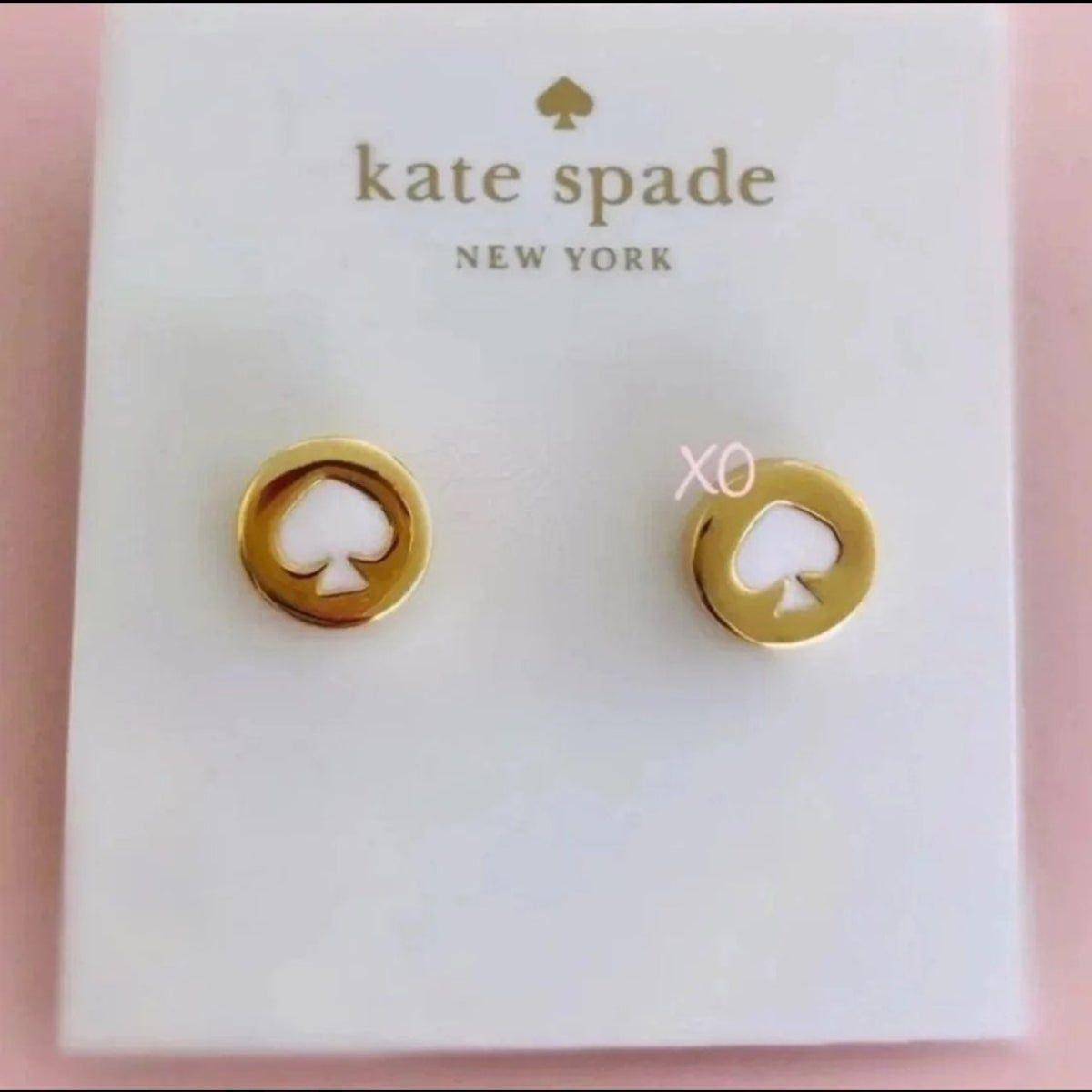 Kate Spade White Spot The Spade Studs In 2020 Stud Earrings Gold Price Graph Kate Spade
