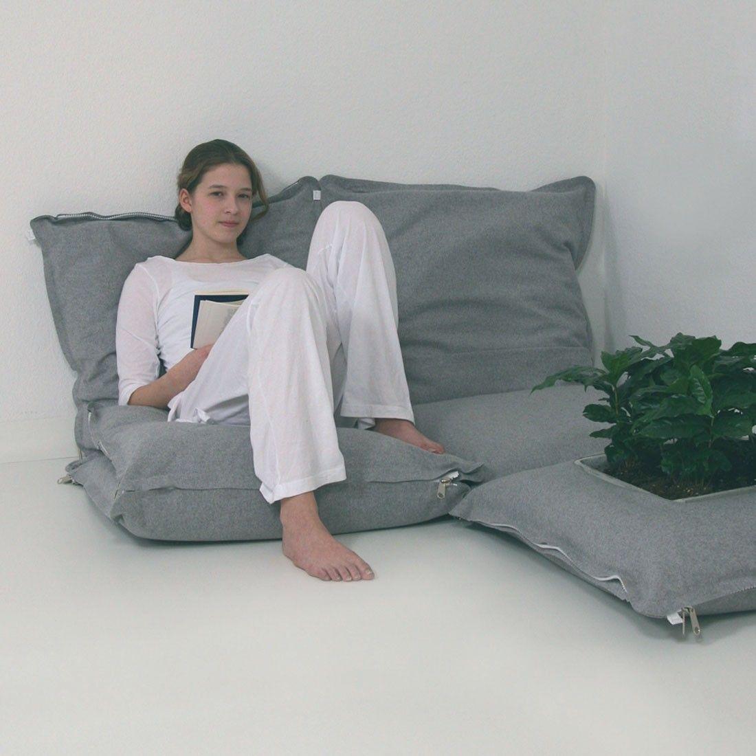 good poufs zipzip with pouf chambre ado. Black Bedroom Furniture Sets. Home Design Ideas