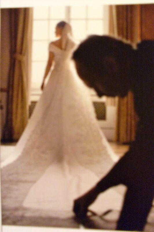 the Wedding Dress - Crown Princess Victoria of Sweden | Crown ...