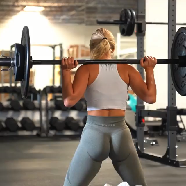 1️⃣ Kick backs- 3x15 each leg 2️⃣ Kneeling Squats- 3x10 3️⃣ Weighted Banded squats- 3x2