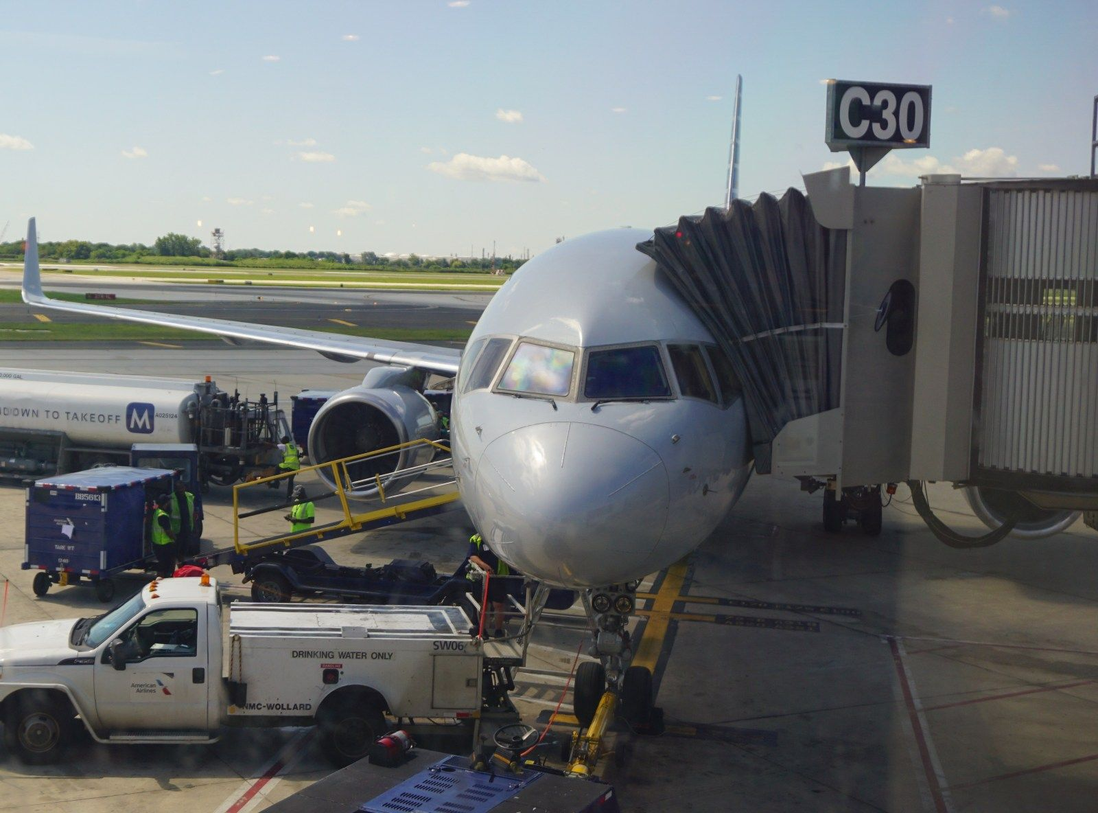 Review American Airlines 757200 (Economy Class) Dallas