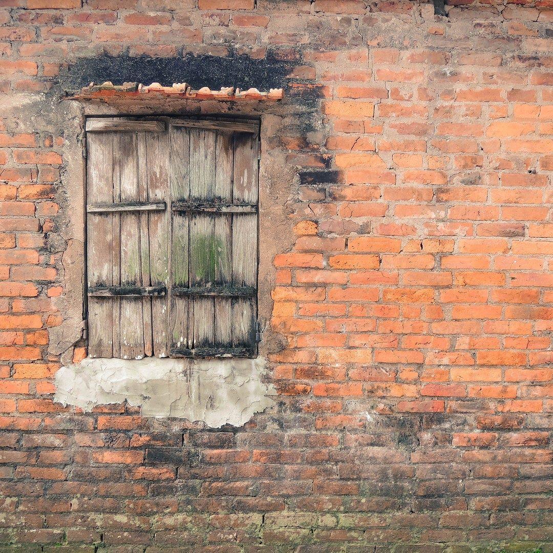 #windows #oldstyle #bricks #orange #hanoi #hànội #window#ourdoors #dooronly #wooden by light.it.upp