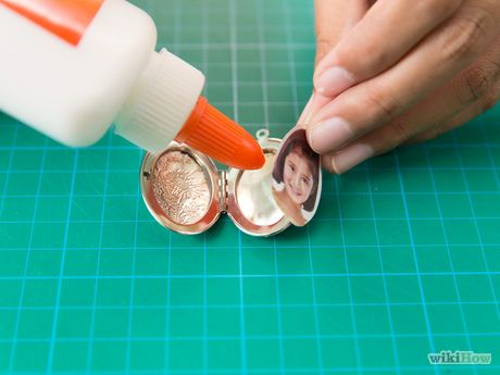 How To Put A Picture In A Locket Locket Necklace Diy Locket Lockets Diy