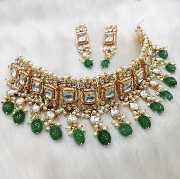 dc8bccb57e4ac Abhiprithi Emerald Green Kundan Choker in 2019 | Traditional way ...