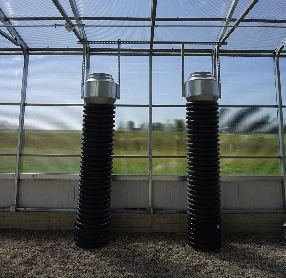 Heat and cool your greenhouse renewably using the soil