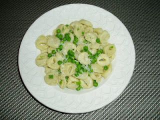 Tortellini with peas and parmesan