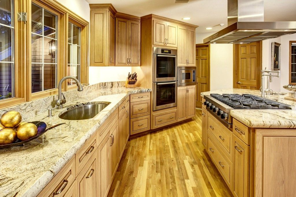 Traditional Kitchen with High ceiling, Undermount Sink ...