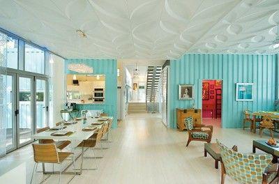 Maison de conteneurs avec un design intérieur magnifique ...