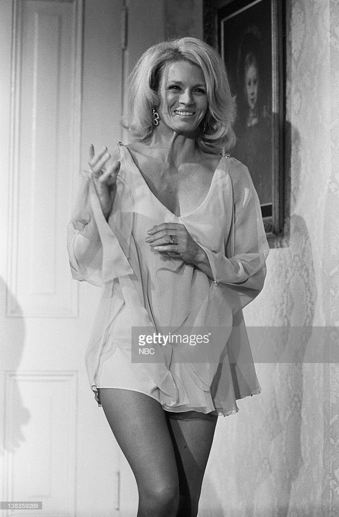 angie dickinson