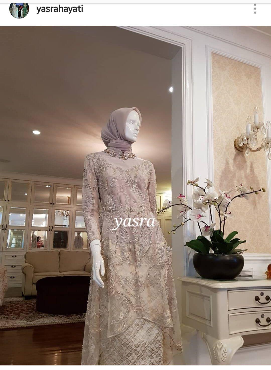 By Yasra  Model baju wanita, Wanita, Model pakaian muslim