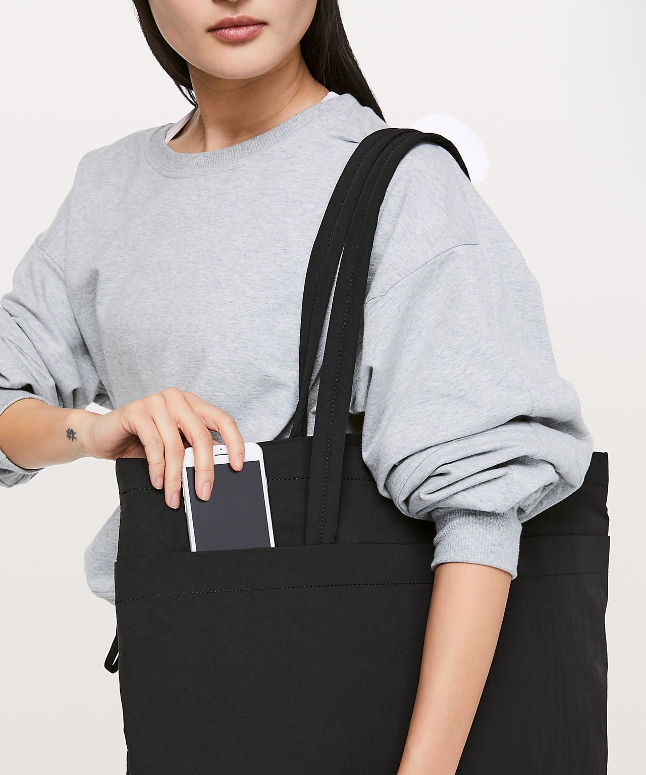 ec14532ca43 Lululemon On My Level Tote *Large 15L in 2019   SH   Large tote ...