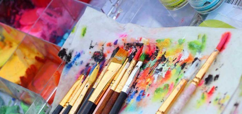 Schminkfarben, Pinsel & Materialien