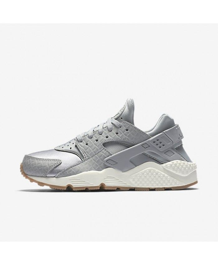 NIKE AIR HUARACHE PREMIUM WOMEN'S SHOE - Wolf Grey/Sail/Gum Medium Brown