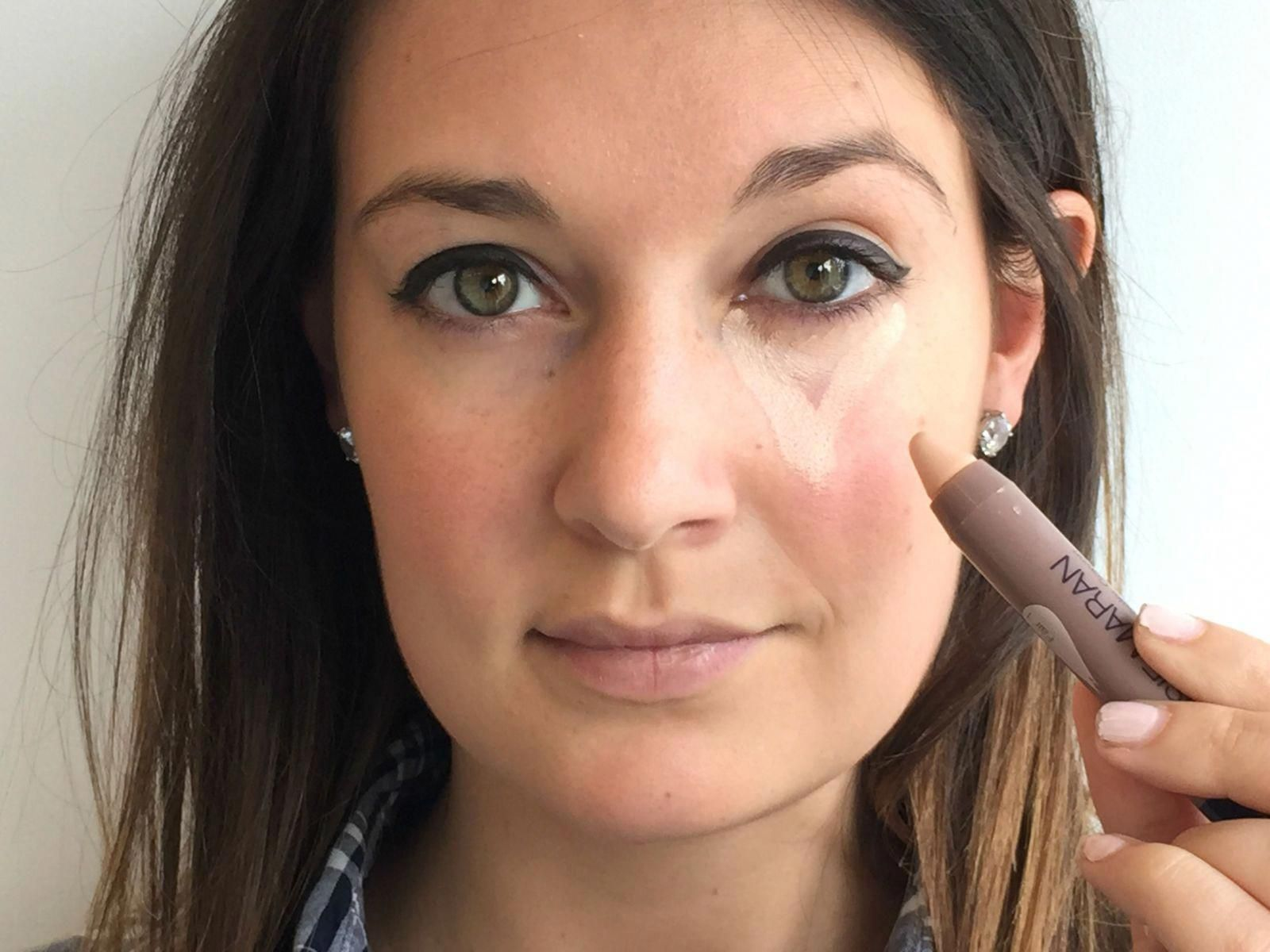 The Easy Concealer Trick That Brightens Up Your Face