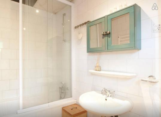 Houseboat Bathroom