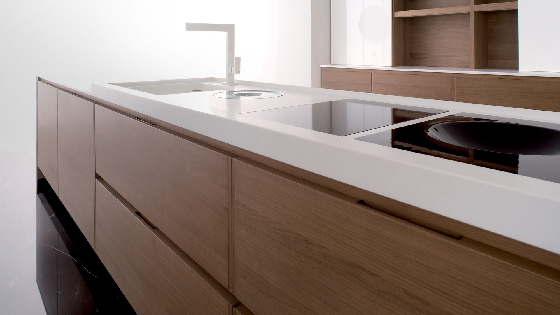 Fancy luxurious kitchen design with glacier white corian for Cabinet and countertop design