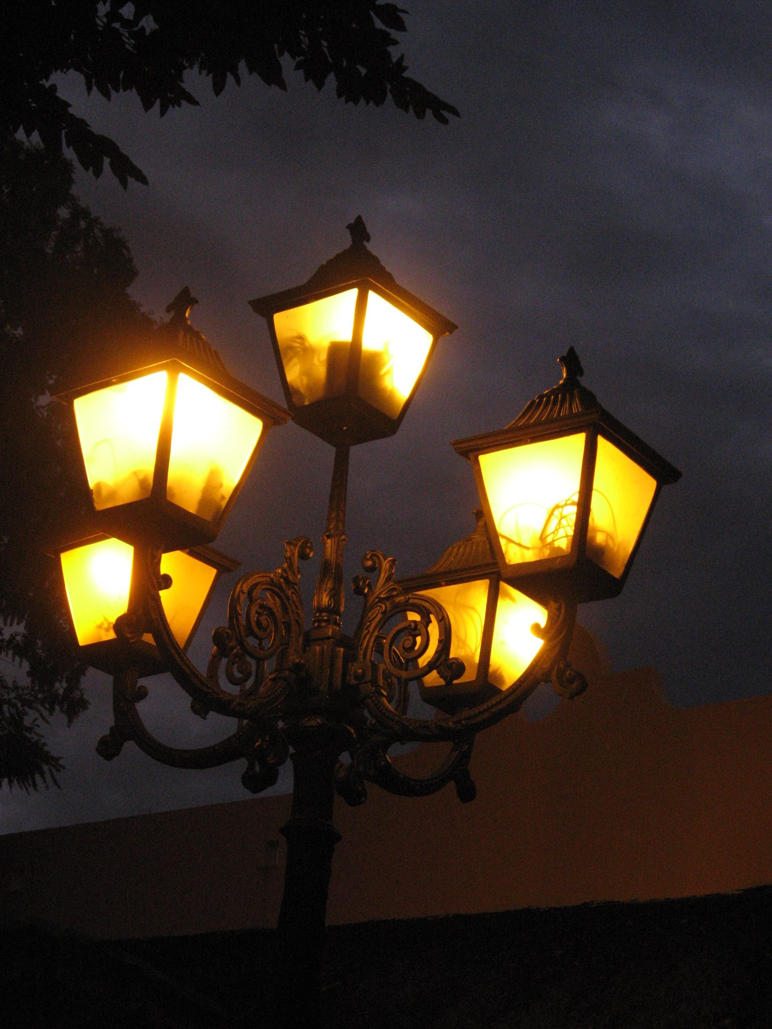 Pin by snowmoon on streets and street lights pinterest street street lightsstreet arubaitofo Image collections
