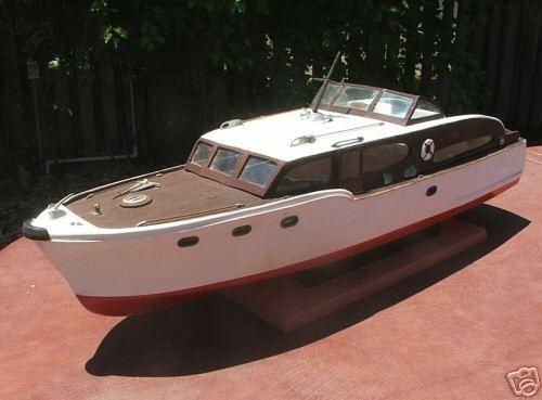 Chris Craft Catalina Flybridge Model Boat | Runabout boat ...