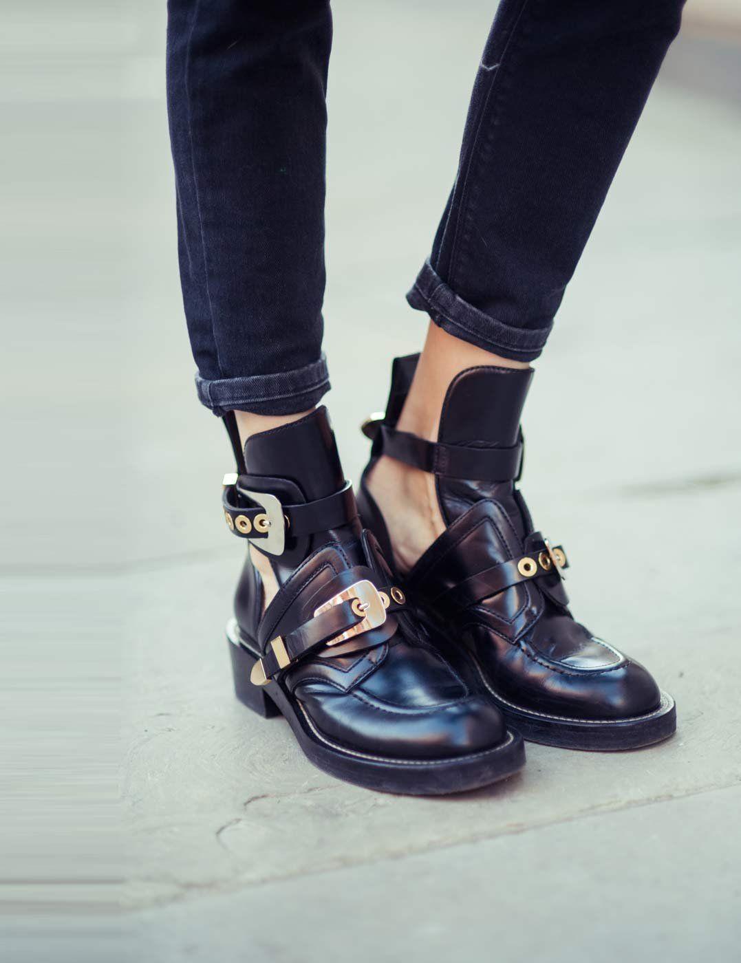 The ceinture cut-out ankle boots BALENCIAGA Black