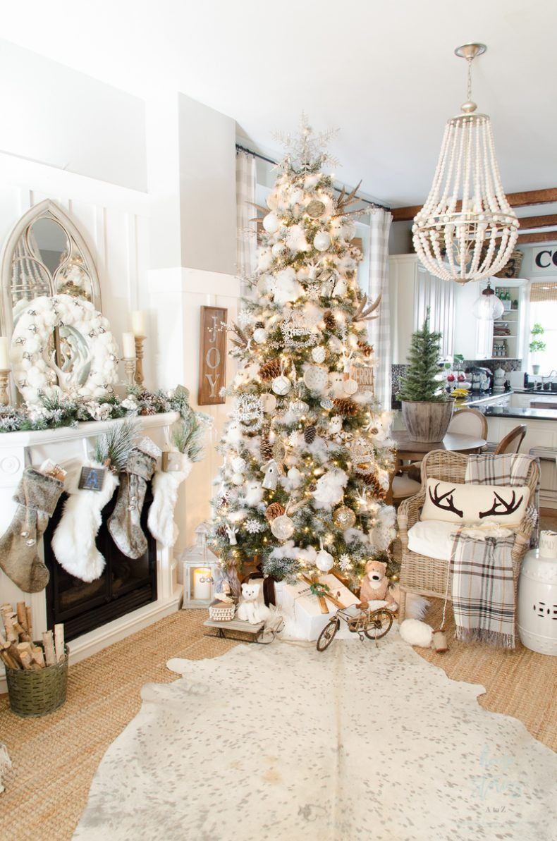 Dream Tree 10 Tips On How To Decorate A Christmas Tree Rustic Glam Farmhouse Amazing Christmas Trees Glam Christmas Farmhouse Christmas Decor