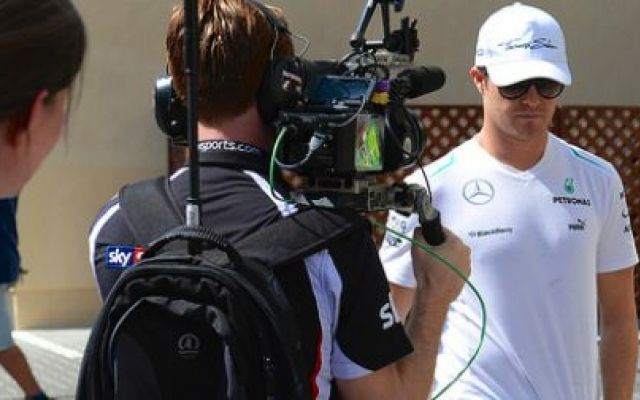 Rosberg beccato mentre dice: «Hamilton ha avuto un culo...» - VIDEO #rosbergehamilton
