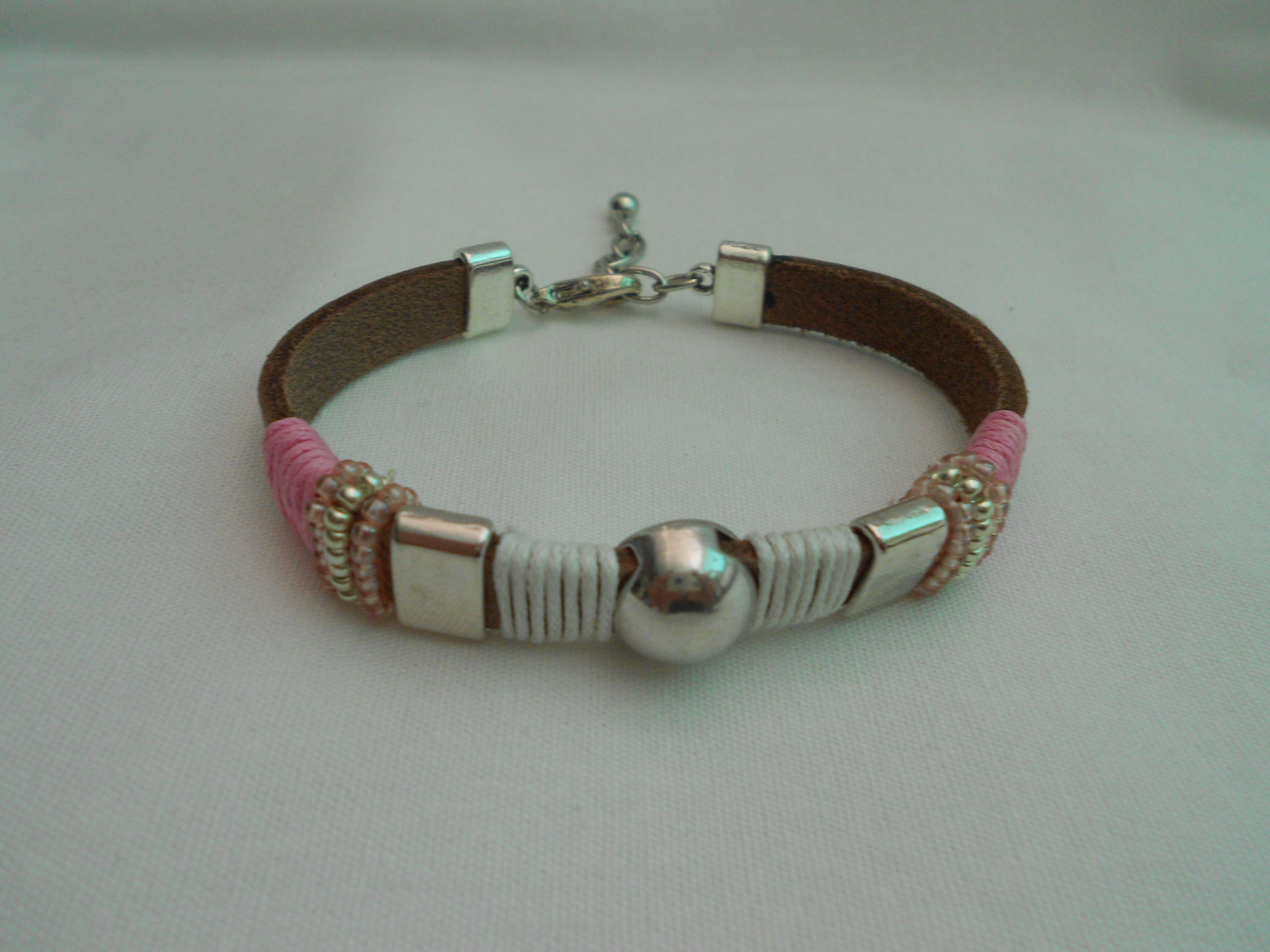 Leer armband van www.tinytreasures.nl